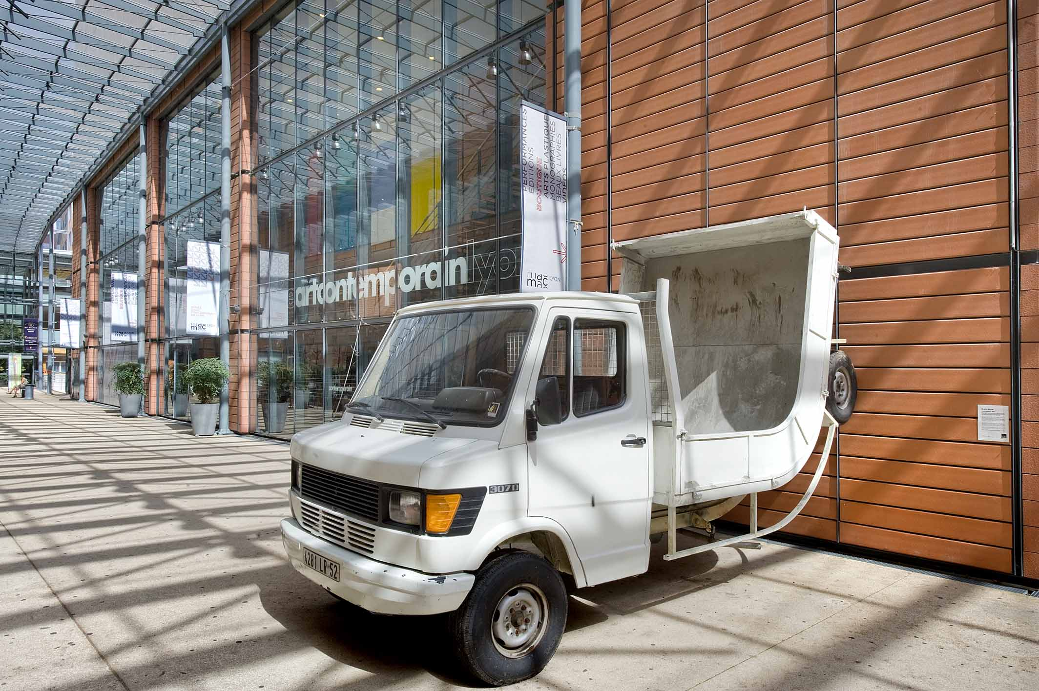 Erwin Wurm, Truck, 2007. Collection macLYON